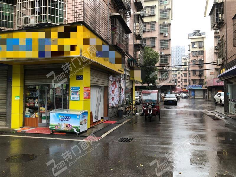 大型成熟社区临街拐角41㎡连锁超市转让(低租金可以住人)